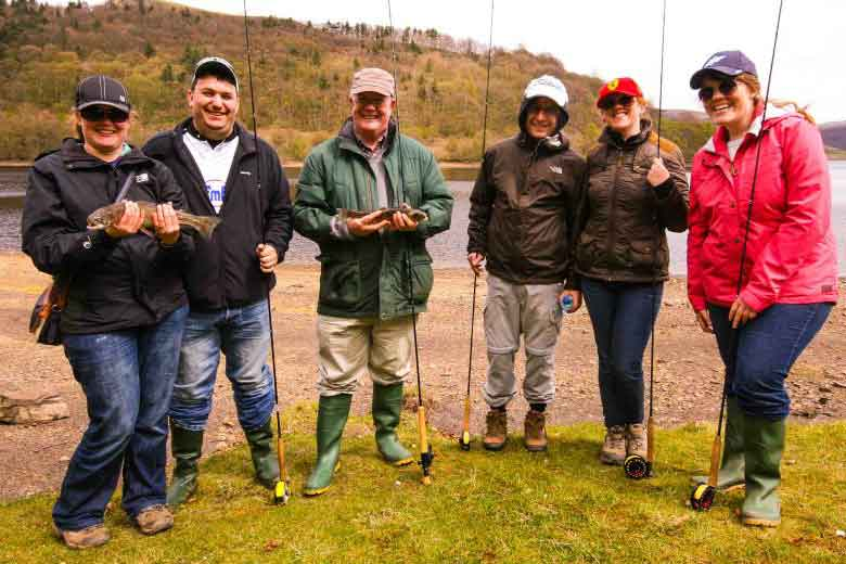 group-fly-fishing-lesson-peak-district-derbyshire